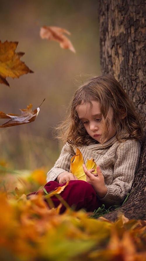 صورة طفلة حزينة , صور بنات حزينه معبره جدا
