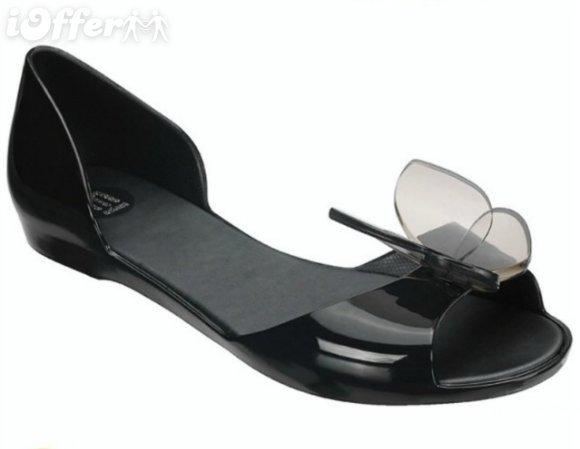 صوره الحذاء في المنام للمتزوجة , تفسير رؤيه الحذاء في المنام للمتزوجة