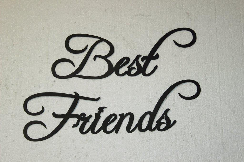 صورة حكمه عن الصديق , عبارات قيمة عن الصداقة 2101 4