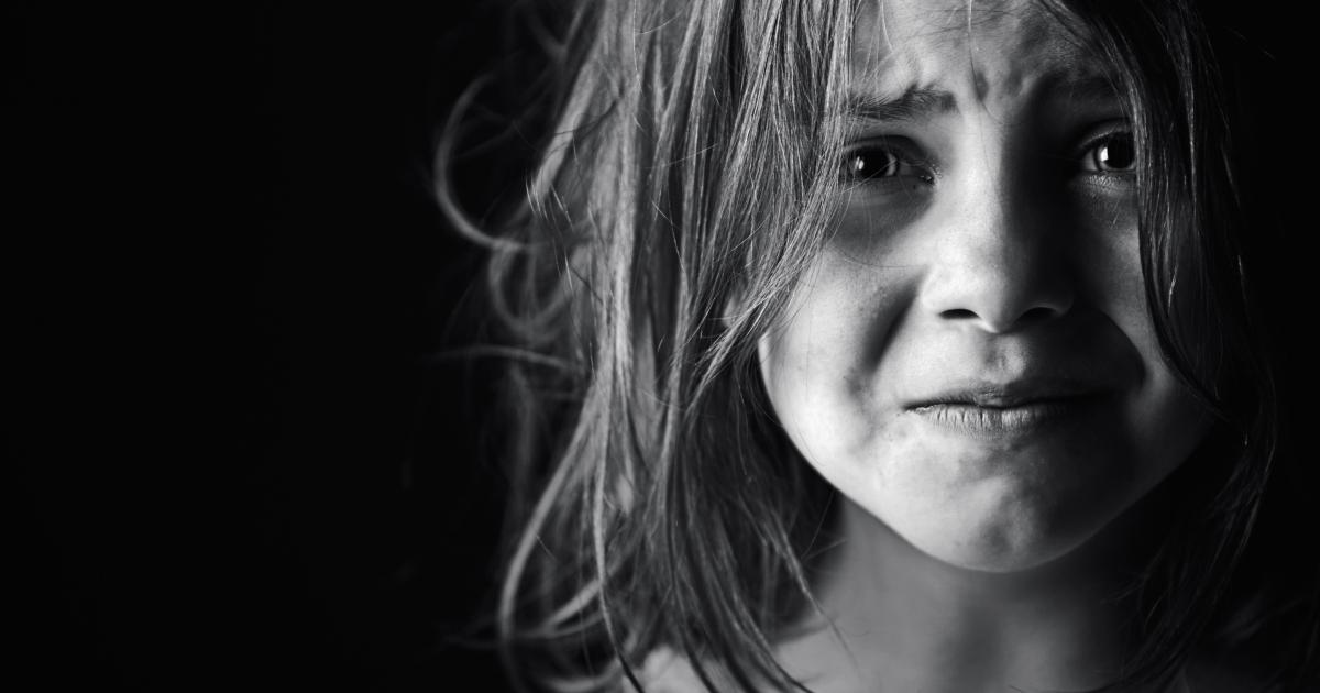 بالصور صور شخص حزين , صور معبرة جدا عن حالة الحزن 3228 1