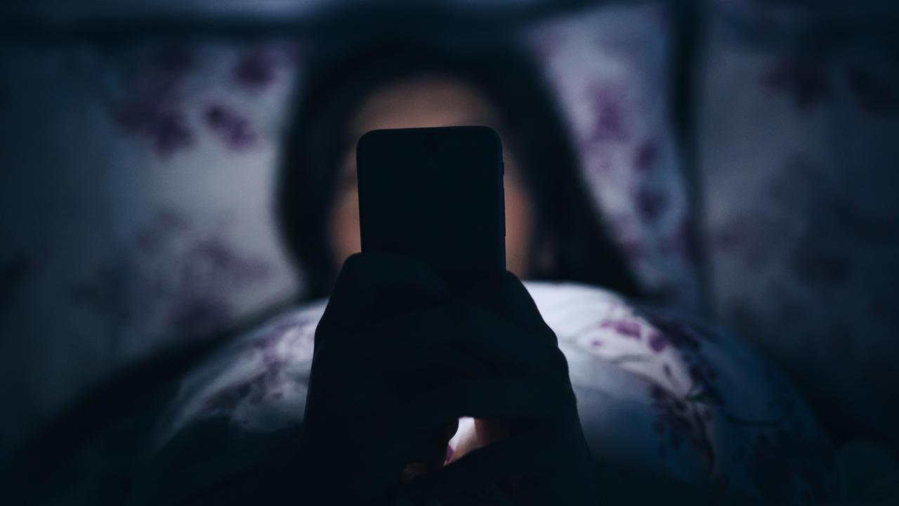 بالصور اضرار السهر , ماذا تسبب قلة النوم للانسان 3464
