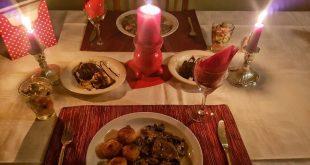 صورة عشاء رومانسي , وجبات ليلية رومانتيكية ساحرة