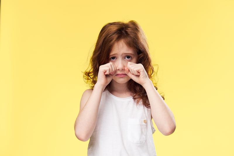 بالصور طفلة تبكي , دموع غاليه على القلب 1768 1