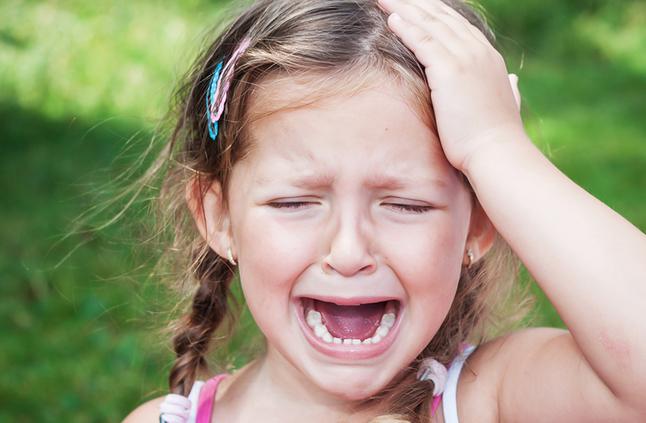 بالصور طفلة تبكي , دموع غاليه على القلب 1768 10