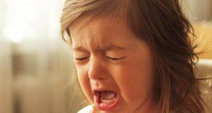 صور طفلة تبكي , دموع غاليه على القلب