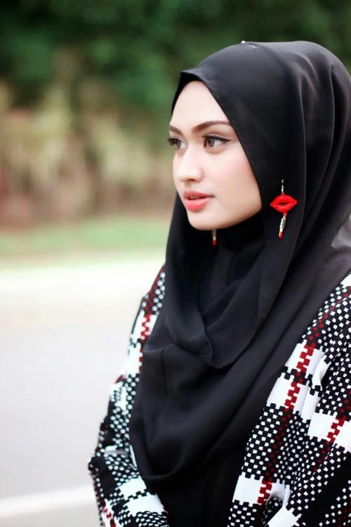 بالصور بنات سعوديات , فتيات المملكة خلاصة النساء الفاتنات 1419 4