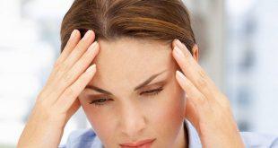 صداع قبل الدوره , لماذا يحدث الصداع قبل الدورة