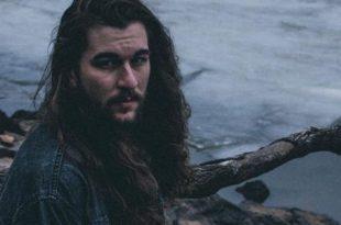 صورة اطول شعر في العالم للرجال , ما هو حكم تطويل الشعر للرجال في العالم