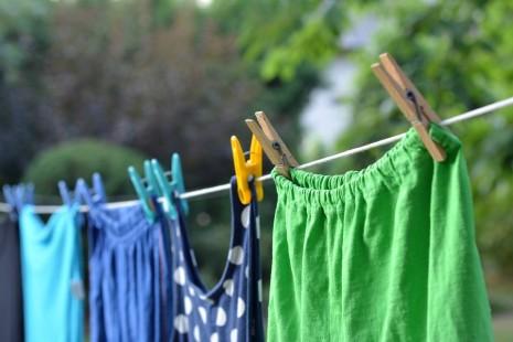 صورة نشر الملابس في المنام , على ماذا يدلل نشر الملابس في المنام