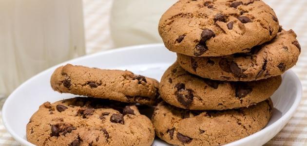صورة طريقة عمل الكوكيز بالشوكولاته , ما هي طريقة تحضير الكوكيز بالشوكولاتة