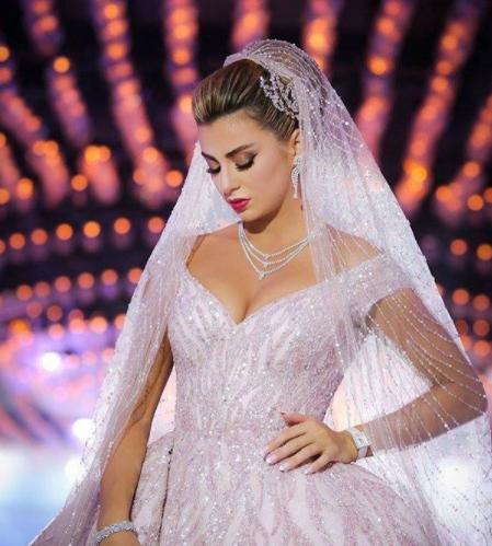 صورة اجمل تسريحات العروس , تسرحات روعة لعرائس 2020 9379