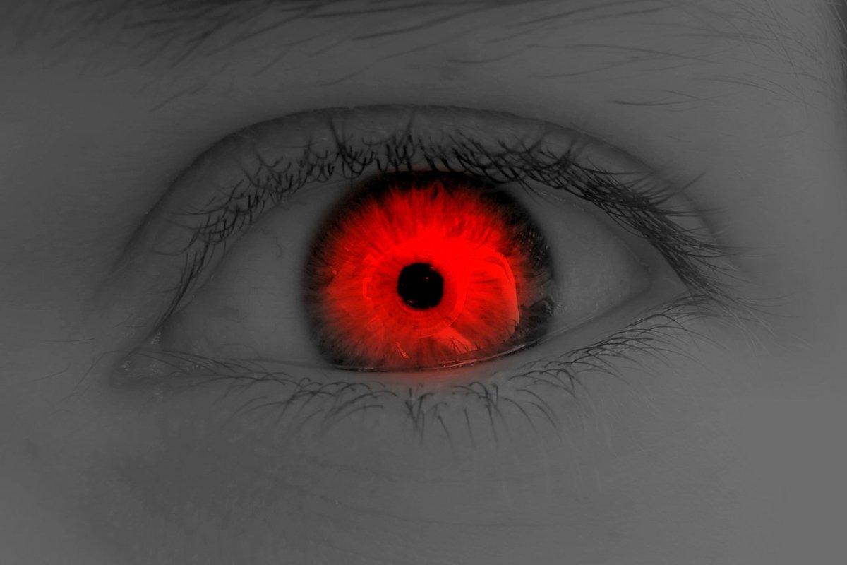 صورة العين الحمراء في المنام , اذا حلمت بالعين الحمراء فهى تنبية لهذا الشئ 9390